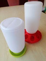 Futter und Wasserspender