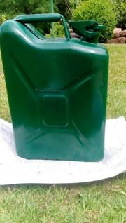 Vintage Benzinkanister Grün