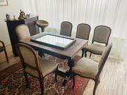 Tisch und Stühle antik