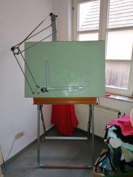 Muttis Reissbrett/ Stehpult