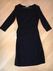 Umstandsmode schwarzes Kleid