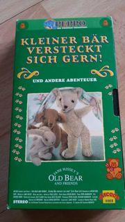 VHS KLEINER BÄR VERSTECKT SICH