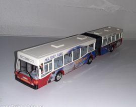 Sonstiges Kinderspielzeug - DICKIE - Spielzeugbus Gelenkbus Holiday Park