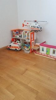 Jede Menge Playmobil Krankenhaus Krankenwagen