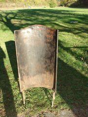 Antiker Ofen Wäremschutz aus Metall