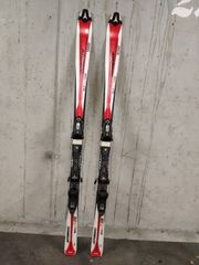 Verschiedenes skier und skischuhe