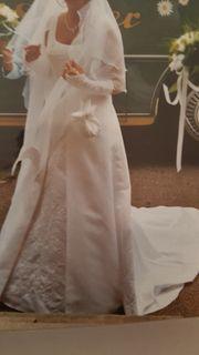 Brautkleid ein Traum in weiß