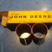 2 Buchsen John Deere