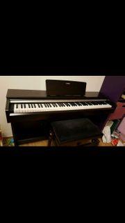 DIG -Piano Yamaha YDP 142