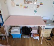 Rosa Ikea Schreibtisch