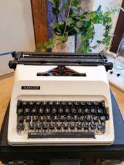 Schreibmaschine Adler Junior 12