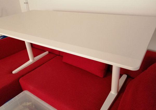 Schreibtisch Tyde von Vitra höhenverstellbar