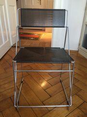 2 moderne Designer-Stühle metallic grau