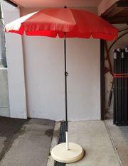 Sonnenschirm mit schwerem Fuß Durchmesser