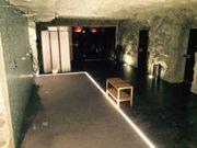 Mitarbeiter in Bar und Sauna