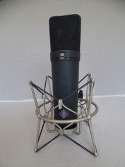 Neumann U87ai Grossmembran-Mikrofon mit Spinne