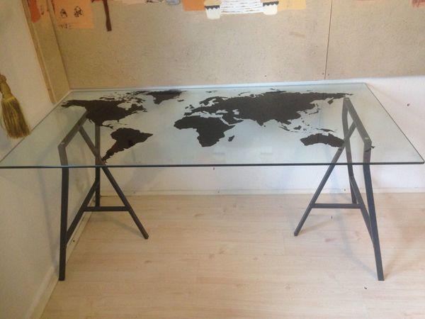 f74527cde39f70 Schreibtisch mit Glasplatte IKEA