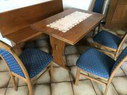 Stabiler Küchentisch mit 4 Stühlen