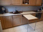 Einbauküche mit sämtlichen Elektrogeräte