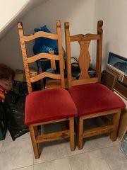 2 Holzstühle mit Polstersitz