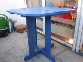 Holztisch Kiefer 70x70 Blau Balkon: Kleinanzeigen aus Berching - Rubrik Gartenmöbel
