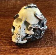 Skull Ring mit antikem Tibetischen