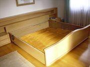 Doppelbett mit Nachttischen Bettbrücke mit Beleuchtung