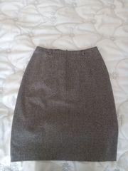 Damenrock mit feinem Karomuster