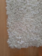 Weißer Shaggy Teppich 120 x