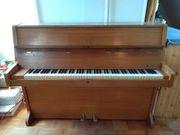 Klavier umständehalber zu verschenken