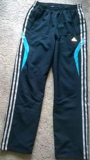 Verkaufe 2X Adidas Jogging Sporthosen