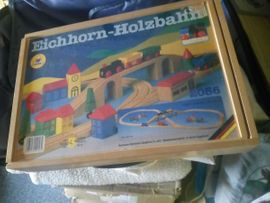 Holzspielzeug - eichhorn holzeisenbahn m el lokomotive