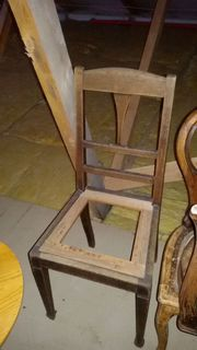 Alter Stuhl ohne Sitzfläche