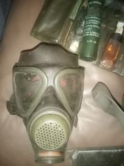 Gasmaske alt mit Zubehör und