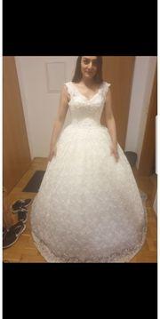 schöne Brautkleid