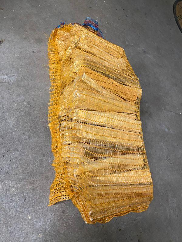 optimales Anzündholz für Brennholz trocken