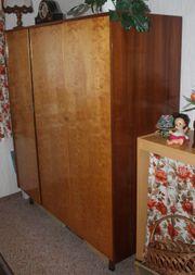 3 türiger brauner Volll-Holz Kleiderschrank