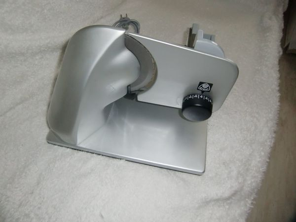 Allesschneidermaschine GRAEF Master aus Metall