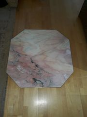 Bodenplatte aus Carrara-Marmor