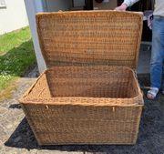 Grosser Weidenkorb Truhe mit Deckel
