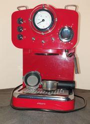 Espressomaschine in Retrodesign