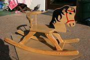 Schaukelpferd aus Holz