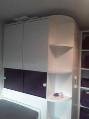 Jugendzimmer mit begehbarem Kleiderschrank weiß-lila