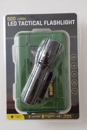 Taktische LED Taschenlampe Neu