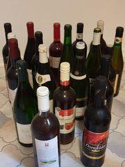 19 Weinflaschen