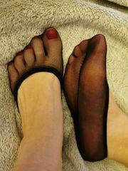 Nylon Füßlinge schwarz und feucht