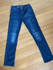 Blaue jungen Jeans Marke Denim