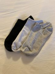 Wir verkaufen getragene Socken von