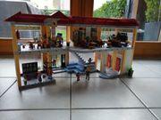 Playmobil grosse Schule mit Einrichtung