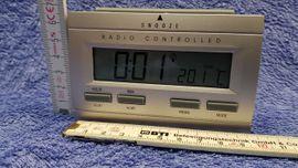 Bild 4 - LCD Funkwecker Uhr silber OV - Leverkusen